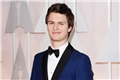 Categoria: Ansel Elgort