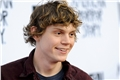 Fanfics / Fanfictions de Evan Peters