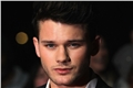 Categoria: Jeremy Irvine