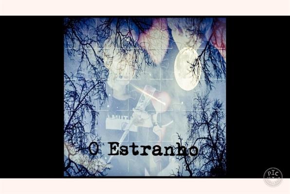 Fanfic / Fanfiction O Estranho