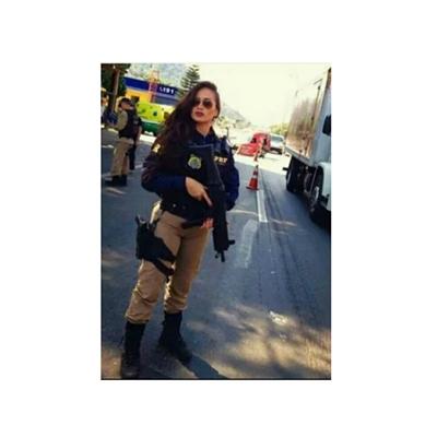 Fanfic / Fanfiction Uma Policial