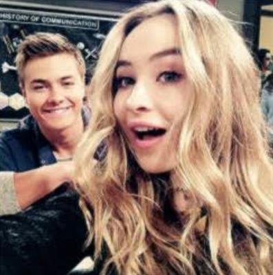 Fanfic / Fanfiction O amor de Peyton e Sabrina