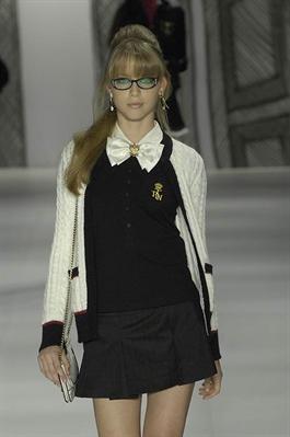 Fanfic / Fanfiction The life of a nerd girl at school (Hiatus)