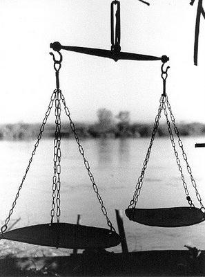 Fanfic / Fanfiction A balança errônea da tua vida
