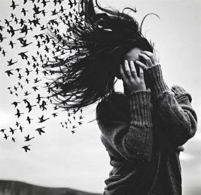 Fanfic / Fanfiction A menina solitária.