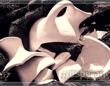 Fanfic / Fanfiction Vaso quebrantado