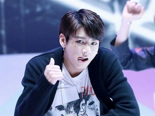 Fanfic / Fanfiction MAIS QUE AMIGOS ( HOT)- BTS- Jeon Jungkook