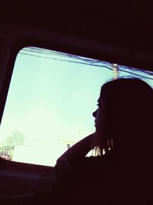 Fanfic / Fanfiction A garota da minha van - Capítulo 2 - O olhar
