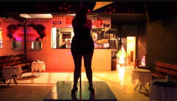 Fanfic / Fanfiction Girls of Crime - Capítulo 7 - Prostituição