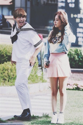 Fanfic / Fanfiction Meu namorado é o Tae - BTS - Capítulo 23 - Guerra de travesseiros