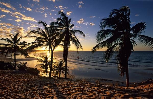 Fanfic / Fanfiction Save Me, V. - Capítulo 5 - Capítulo 5 - A Praia.
