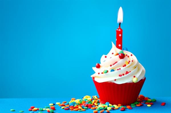 Fanfic / Fanfiction Do You - Capítulo 1 - Feliz Aniversário!