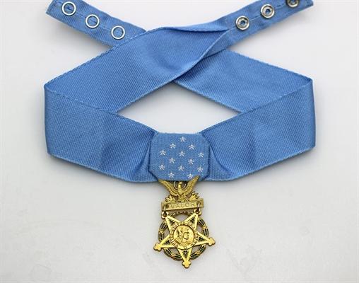 Fanfic / Fanfiction Filha da Máfia (Hot Lésbico) - Capítulo 24 - Medalha de Honra ao Mérito?