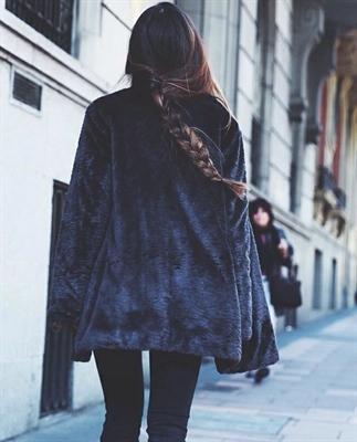 Fanfic / Fanfiction Friend of my girlfriend - Capítulo 5 - Shopping