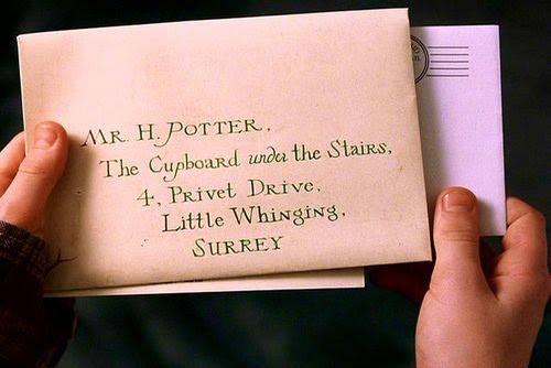 Fanfic / Fanfiction Harry Potter - Reescrita, A Pedra Filosofal. - Capítulo 8 - Capítulo três (normal), parte dois: As cartas de ninguém.