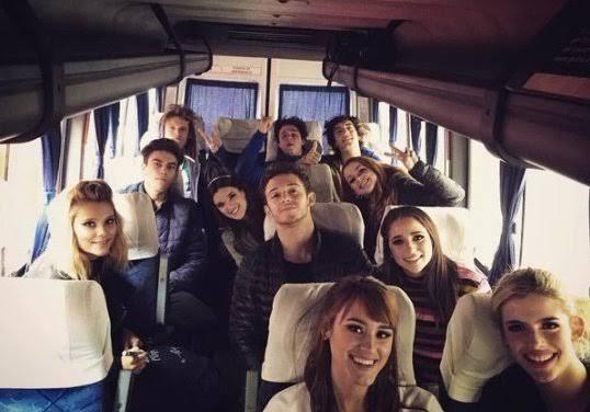 Fanfic / Fanfiction Opposite Hearts! - Capítulo 4 - Um jogo dentro do ônibus!