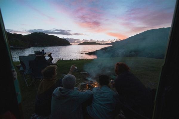 Fanfic / Fanfiction Through Me - Capítulo 6 - Camping