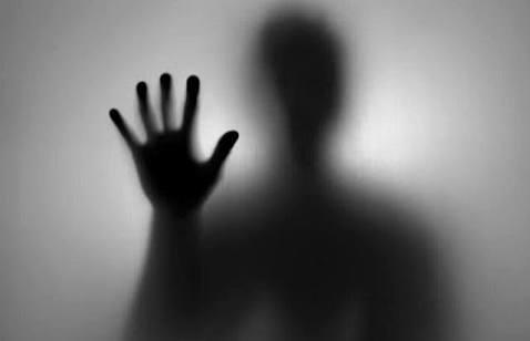 Fanfic / Fanfiction Doces Histórias De Terror - Capítulo 10 - Morrer e de novo e de novo Capítulo 6