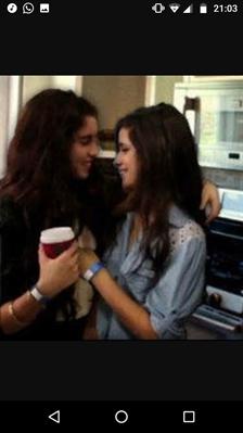 Fanfic / Fanfiction Camren! Fifth Harmony! - Capítulo 2 - Primeiro show, primeiro beijo