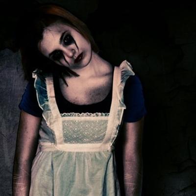 Fanfic / Fanfiction A garota do meu sonho - Capítulo 3 - O suicídio da Alice
