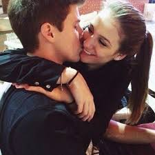 Fanfic / Fanfiction Amor sem limites ❤ - Capítulo 2 - O beijo e o tapa na cara 😘👊🖐