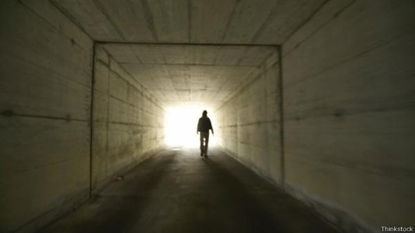 Fanfic / Fanfiction O mal em palavras - Capítulo 4 - Sera que você sabe quem eu sou?