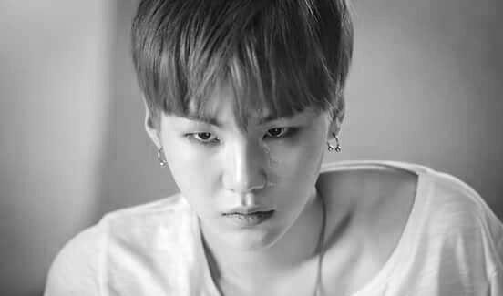 Fanfic / Fanfiction (HIATUS) Dangerously 2 -Yoonseok/Sope - Capítulo 9 - Ola ! Yoongi...