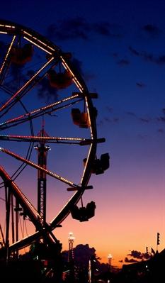 Fanfic / Fanfiction Eighteen - O Colegial - Capítulo 36 - Ferris Wheel