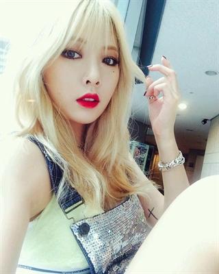 Fanfic / Fanfiction Eu odeio te amar Min Yoongi(imagine Suga) - Capítulo 11 - Nova melhor amiga