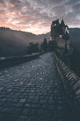 Fanfic / Fanfiction Filha de Atena - Capítulo 9 - Entramos no Castelo