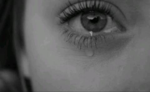 Fanfic / Fanfiction Pulsos cortados - Capítulo 1 - Pobre menina