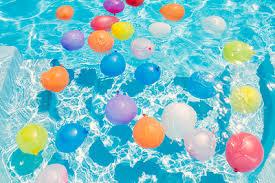 Fanfic / Fanfiction Uma staff e sete garotos - Capítulo 7 - The pool party