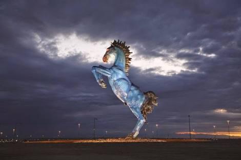 Fanfic / Fanfiction Crusada pela Utopia - Capítulo 2 - Cavalos azuis comem café para dar bons conselhos? ??