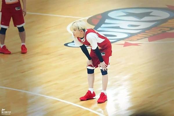 Fanfic / Fanfiction Hey, Hyung! [Yoonkook] - Capítulo 3 - Jogos de basquete são interessantes