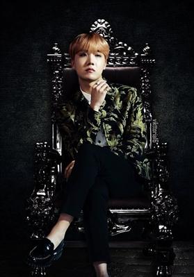 Fanfic / Fanfiction Imagines BTS - Capítulo 29 - Imagine Jung Hoseok - O segurança