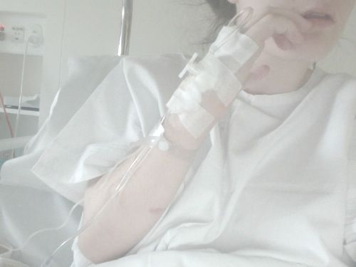 Fanfic / Fanfiction A Estrangeira - Imagine JungKook - - Capítulo 16 - Hospital