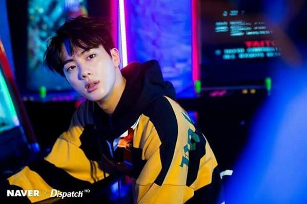 Fanfic / Fanfiction Eu sou sua cura (imagine Jin- BTS) - Capítulo 2 - Amigo?......nao!
