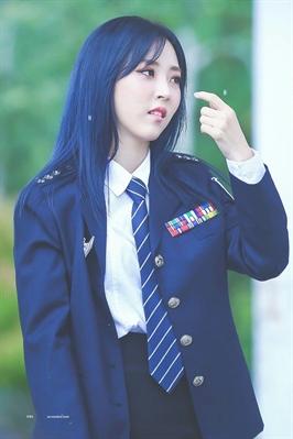 Fanfic / Fanfiction Imagines girls groups - Capítulo 3 - A garota de cabelos azuis