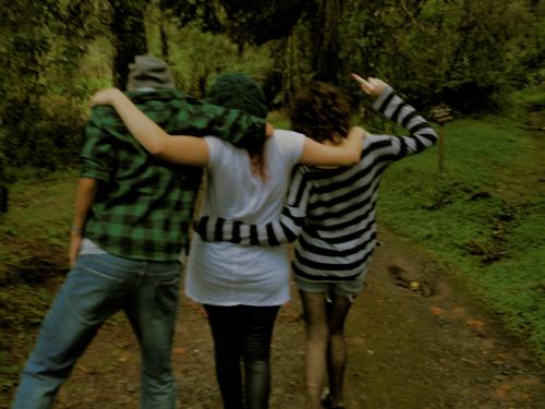 Fanfic / Fanfiction Minha Querida Dor - Capítulo 1 - Amizades