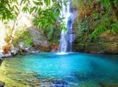 Fanfic / Fanfiction Perdidos Na Ilha (interativa bts) - Capítulo 14 - Cachoeira