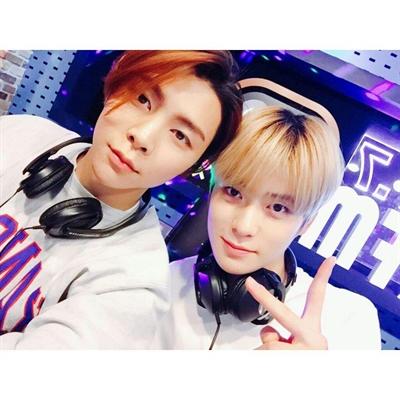 Fanfic / Fanfiction Valeu a pena - (Taehyung) - Capítulo 51 - Jaehyun e Jhonny