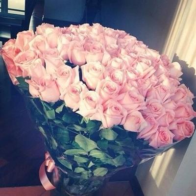 Fanfic / Fanfiction The Flowers In My Heart NamSeok (Hanahaki) (two shot) - Capítulo 1 - Um Lindo Buquê de Rosas Cor-de-rosa