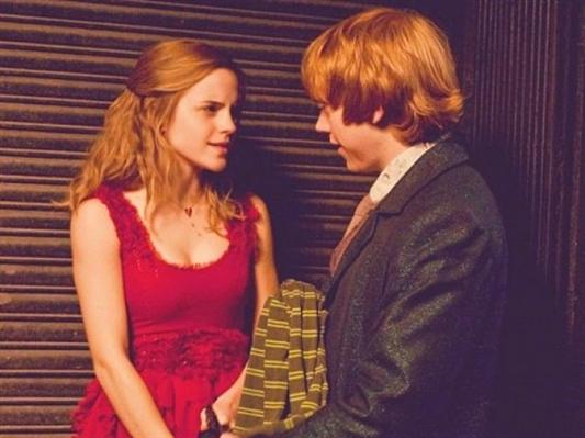 Fanfic / Fanfiction Romione - grama recém cortada, pergaminho novo e Ron - Capítulo 17 - O casamento de Percy