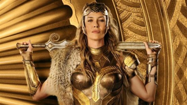 Fanfic / Fanfiction Themyscira - Mulher maravilha e Supergirl - Capítulo 3 - Sou sua rainha.