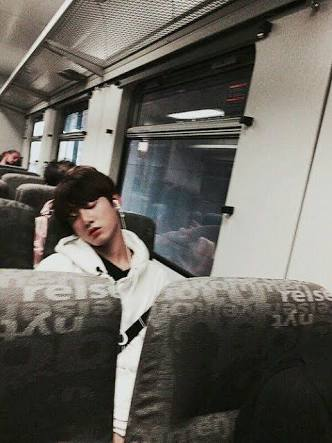 Fanfic / Fanfiction Família Loka (Namjin, vkook, Yoonminsoke) - Capítulo 40 - Instagram TaeTae