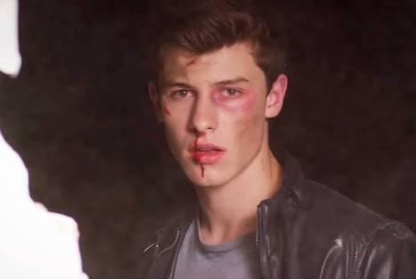 Fanfic / Fanfiction Treat You Better - Shawn Mendes - Capítulo 40 - Shawn chegar em casa machucado e a gravidez e de risco !