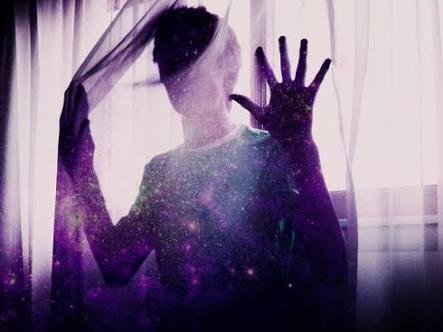 Fanfic / Fanfiction Now We are Just Falling Apart - Capítulo 1 - Lágrimas e Paixões