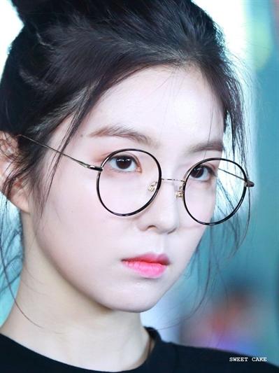 Fanfic / Fanfiction Beautiful Angel - (SeulRene) - Capítulo 4 - Por que ela não sorri?