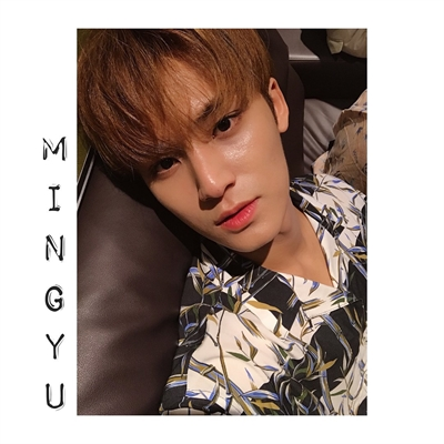 Fanfic / Fanfiction Falling In Love (Coletânea Imagines Seventeen) - Capítulo 8 - Apenas continue me abraçando, Mingyu (Day 08 Mingyu)