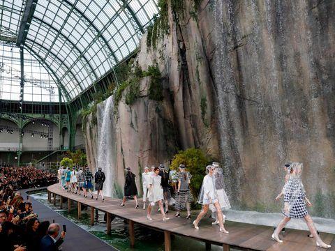 Fanfic / Fanfiction Marichat com Pimenta - Mais acontecimentos - Capítulo 47 - Le Grand Palais - Semana de moda